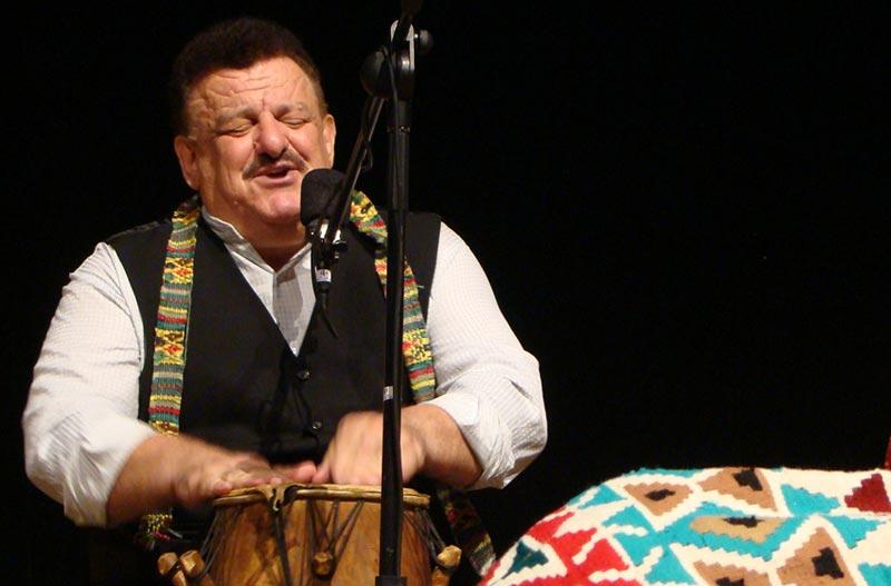 کنسرت ناصر وحدتی جمعه در صومعه سرا برگزار می شود