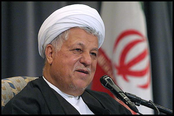 رئیس مجمع تشخیص مصلحت نظام وارد فرودگاه سردار جنگل رشت شد