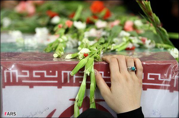 مراسم تشییع و تدفین شهدای گمنام +پوستر