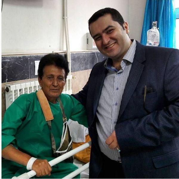 فرامرز دعایی خواننده ترانههای خاطره انگیز گیلانی در بیمارستان بستری شد + عکس