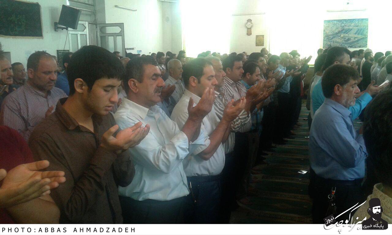 برگزاری نماز باشکوه عید سعید فطر در شهر گوراب زرمیخ+تصاویر