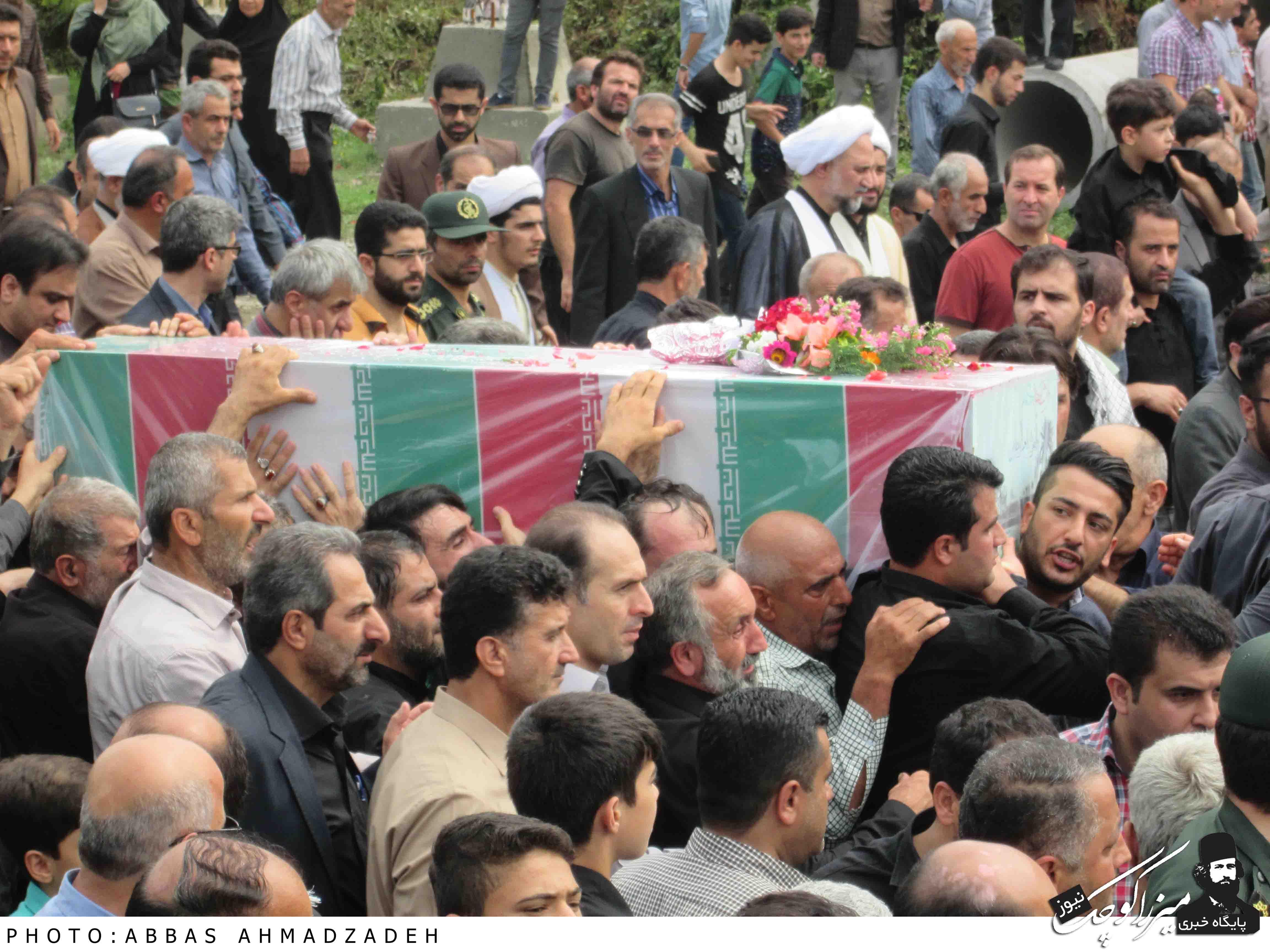 مراسم تشییع و تدفین شهدای گمنام شهر گوراب زرمیخ