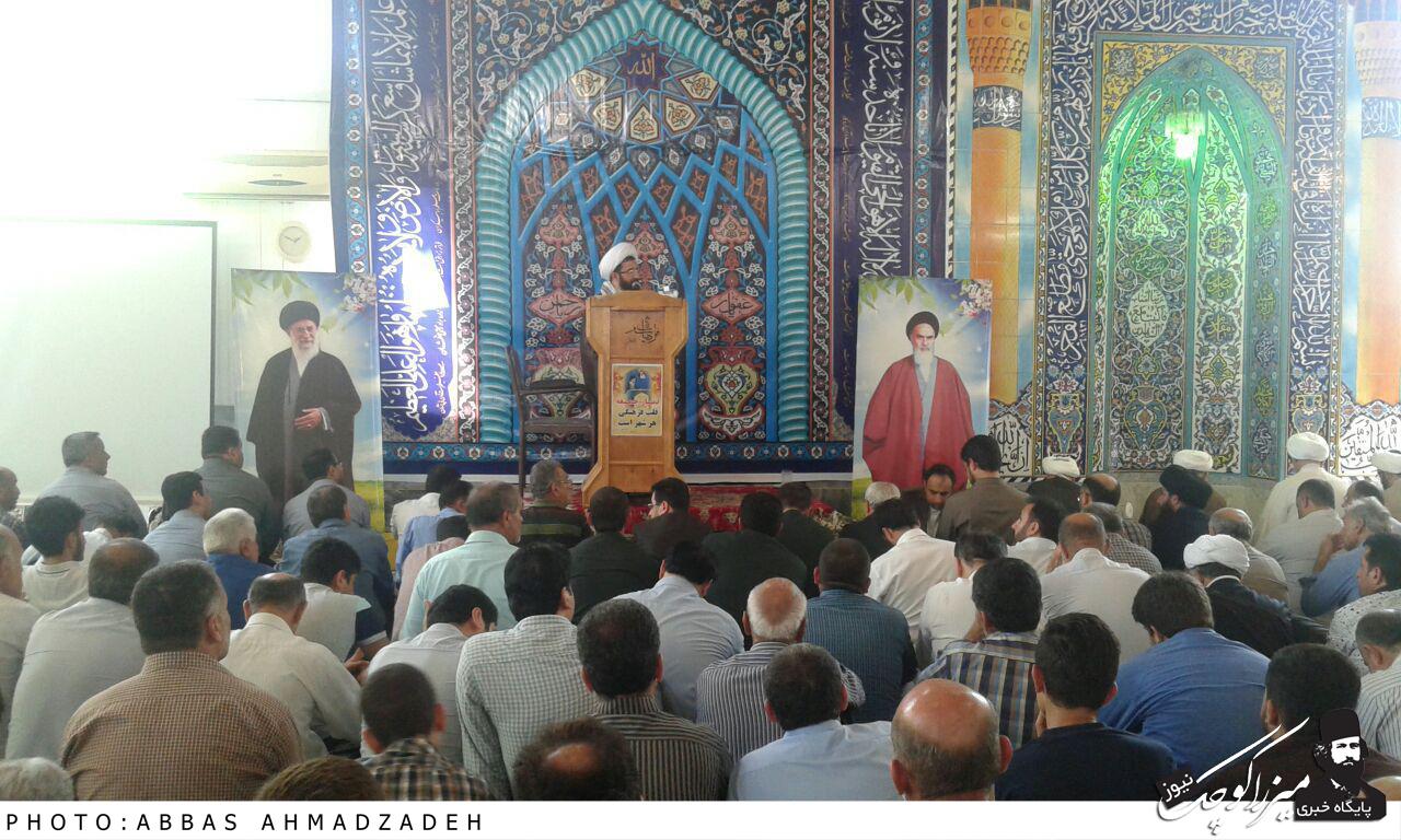اولین نماز جمعه شهر گوراب زرمیخ برگزار شد