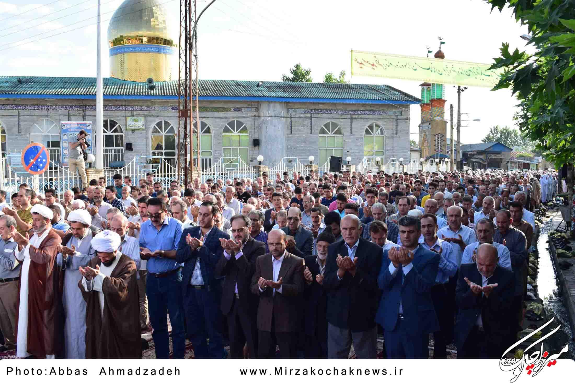 نمازعیدفطر در گوراب زرمیخ اقامه شد+تصاویر