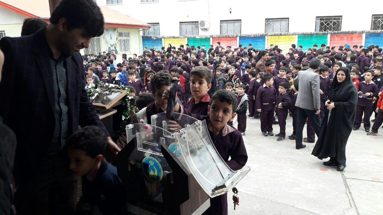 جشن عاطفهها همزمان در 150مدرسه صومعه سرا برگزار شد