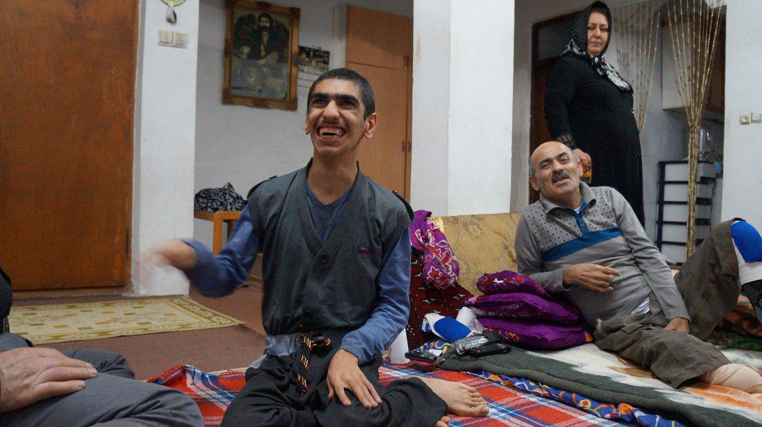 معلولان به جای ترحم نیازمند یاری اند