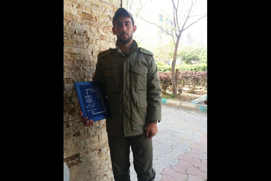 گفتگو با سرباز فداکاری که جان ۵ مسافر نوروزی را از مرگ حتمی در سیزدهبدر نجات داد