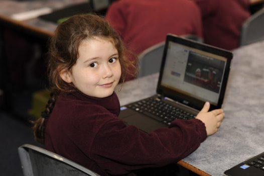 سن مناسب خرید لپ تاپ برای کودکان