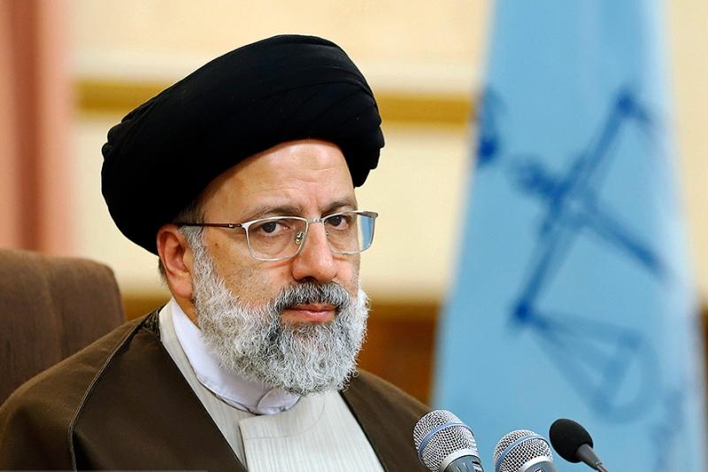 صنایع  پوشش ایران یک فاجعه است/ حفظ جوانان به عملکرد و رفتار عادلانه است/ خصوصی سازی فرق می کند با آتش زدن به مال مردم!